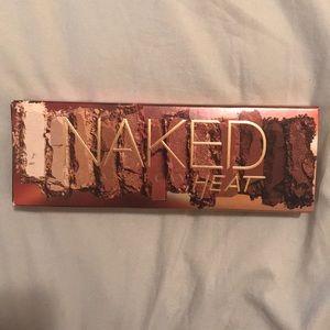 Naked Urban Decay Heat eyeshadow palette